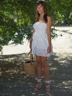 mymoleskinebynailee Outfit  casual blanco cómodo chic espadrilles alpargata  Primavera 2013. Combinar Vestido Blanco Primark, Plano Amarillo La casa de la playa, Cómo vestirse y combinar según mymoleskinebynailee el 19-6-2013