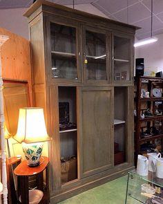 Pin 1930's bookcase  #auvieuxchaudron#antiques#antiquites#vintage#shabbychic#deco#homedecoration#countryfurniture#decoration#frenchfurniture#vintagehome#labrocante#curiosities#interiør#interiör#decoração#europeantiques#chic#oldfurniture#art#artantiques#shabby#instahome#chic#antiquitäten#antiquestore#brocantestyle#frenchantiques#antiguidades#antique
