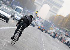 paris bike messenger, i wish i have his job