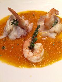 crema di carote con filetti di merluzzo e gamberi al timo