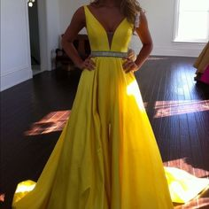 Sexy Prom Dress,Sleeveless Yellow Prom Dress,Sexy Evening Dress,Long Evening Gowns,V Neck Beaded Prom Dress with Slit