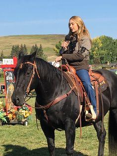 Heartland Characters, Heartland Actors, Heartland Quotes, Heartland Ranch, Heartland Tv Show, Cowgirl And Horse, Horse Love, Heartland Season 11, Horse Magazine