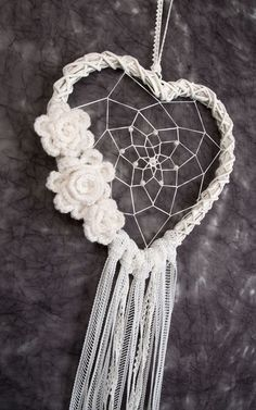 White Heart Dream Catcher Wedding Decoration by Dreamcatcher .- Weiß Herz Dream Catcher Hochzeit Dekoration von DreamcatchersUA White Heart Dream Catcher Wedding Decor by DreamcatchersUA - Dream Catcher Wedding, Lace Dream Catchers, Dream Catcher White, Dream Catcher Boho, Dream Catcher Craft, Wedding Wall Decorations, Decor Wedding, Boho Wedding, Burlap Door Decorations
