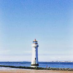 It's summer, enjoy it! | Lighthouse at New Brighton | Daisies & Pie