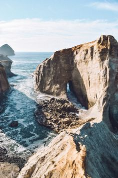 Cape Kiwanda State Natural Area in Oregon. Read through our guide for all the best stops along the Oregon coast