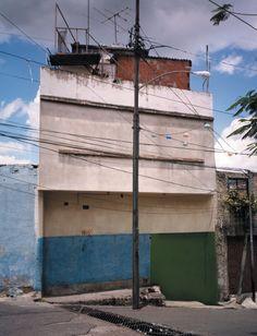 Título: # 4. Fecha: 2003. Serie: Residente Pulido. Ranchos. Técnica (si es un video, aclare la duración): Fotografía Digital. Dimensiones: 2...