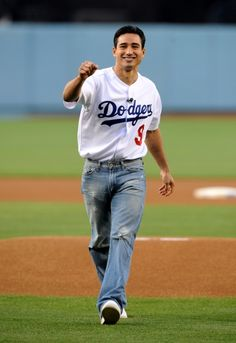 Mario Lopez throwing out first pitch at LA Dodgers game