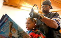 Armario de Noticias: Peluquero trabaja gratis si los niños leen un libr...
