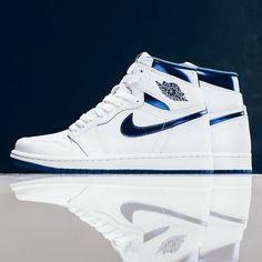 Nike Fashion, Sneakers Fashion, Shoes Sneakers, Fashion Fashion, Runway Fashion, Men's Shoes, Fashion Trends, Jordan Shoes Girls, Air Jordan Shoes