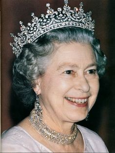 Elizabeth II Monarch Elizabeth II is the constitutional monarch of 16 sovereign states, known as the Commonwealth realms, and their territories and dependencies, and head of the 53-member Commonwealth of Nations. Wikipedia