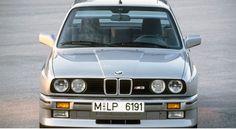 http://www.auto-moto.com/occasion/souvenirs-souvenirs/les-voitures-qui-ont-marque-les-annees-80-30544.html