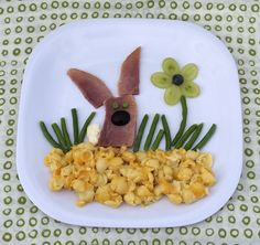 Easter Kids Dinner: Hoppin' Ham Bunny http://www.recipe.com/blogs/cooking/easter-kids-dinner-hoppin-ham-bunny/?socsrc=recpin031912kidseasterhamdinner