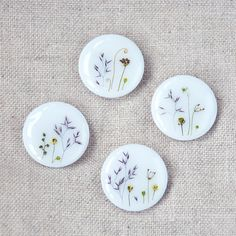Botanical buttons/ Set of 4. White floral buttons. Handmade botanical buttons. Green sewing buttons. For knitting