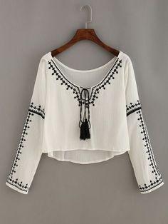 60 new Ideas embroidery fashion boho shirts Teen Fashion, Boho Fashion, Fashion Dresses, Womens Fashion, Fashion Design, Leather Fashion, Mode Monochrome, Mode Top, Look Boho