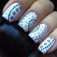 A morning quicky  Simple dotticure in a lovely beige theme! Mattified for extra…