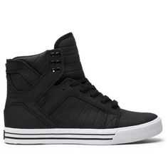 Supra Skytop D in black and white Worn about 4 times, there's no defects or tears but there is some scuffing and marks on the white part of the shoe. If you get a shoe cleaner or brush it'll come off but I honestly don't wear these so would rather sell at a price accordingly. Mens size 5/women's 7 Supra Shoes Sneakers