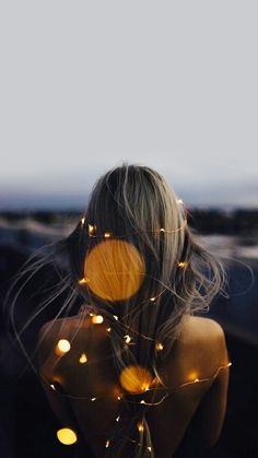 The most creative photography ideas photos) - Finish B . - # Creative # Id . - The most creative photography ideas photos) – Finish B … – # Creative # Ideas – Laphoto - Fairy Light Photography, Girl Photography Poses, Amazing Photography, Digital Photography, Flash Photography, Photography Tutorials, Beauty Photography, Creative Photography Poses, Photography Lighting