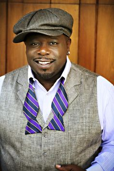 Cedric the Entertainer in a stylish bow-tie and a signature hat!