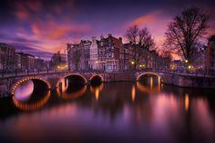 Amsterdam by night by Iván Maigua on 500px