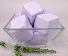 Lavender Marshmallows for a purple wedding Edible Lavender, Lavender Blue, Edible Flowers, Purple Food, All Things Purple, Violet, High Tea, Macarons, Sweet Treats