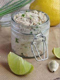 Mexican food recipes 722757440175794122 - Rillettes de sardines Source by dugastcecile Whole30 Fish Recipes, Easy Fish Recipes, Quick Dinner Recipes, Vegetarian Recipes Dinner, Meat Recipes, Asian Recipes, Mexican Food Recipes, Drink Recipes, Tostadas