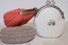 Фотография Crochet Coin Purse, Crochet Purses, Pouch, Wallet, Knitted Bags, Mittens, Lana, Knit Crochet, Crochet Patterns