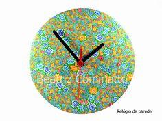 Relógio de parede em cerâmica plástica (polymer clay) | by Beatriz Cominatto