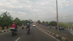 Jakarta- PEKA;.Menteri Perindustrian Airlangga Hartarto mengharapkan pasokan logistik kembali normal setelah terjadi pelarangan truk untuk m...