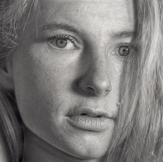 Take a look at this collection of amazing drawings -- and no, they're not photographs.