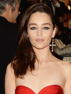 Red-Carpet Beauty: The Best Hair and Makeup Looks From the 2013 Met Gala - Emilia Clarke http://primped.ninemsn.com.au/galleries/hair-galleries/red-carpet-beauty-the-best-hair-and-makeup-looks-from-the-2013-met-gala?image=12