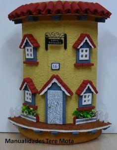 MANUALIDADES, BELLAS ARTES Y ENMARCACION TERE MOTA: Tejas decoradas Biscuit, Decoupage, Fairy Garden Houses, Trash To Treasure, Round House, Gingerbread, Polymer Clay, Tiles, Sweet Home