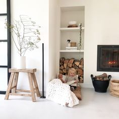 Living Room Inspiration, Interior Inspiration, Lets Stay Home, Bedroom Pictures, My Dream Home, Interior Styling, Ladder Decor, New Homes, Relax