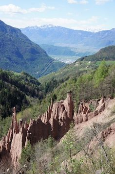 Wandern mit Kindern in Südtirol ist so was von entspannend. Gemeinsam seid Ihr in einer atemberaubenden Landschaft unterwegs und hier gibt es einiges zu entdecken: Burgen, Bergseen und Wasserfälle.…