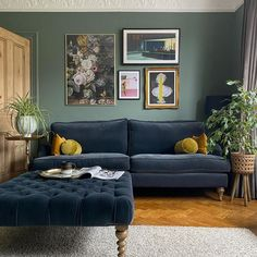 Farrow And Ball Living Room, Living Room Green, New Living Room, Home And Living, Living Room Decor, Dining Room Walls, Dining Room Design, Lounge Design, Victorian Living Room