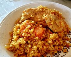 Currys csirkés bulgur Sweet And Salty, No Cook Meals, Fried Rice, Healthy Lifestyle, Chicken Recipes, Bacon, Curry, Paleo, Food And Drink
