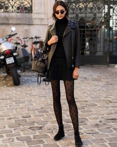 strumpfhose, strumpfhose outfit Bike's For You 🚲 Pinterest Mode, Pinterest Fashion, Pantyhose Outfits, Outfits With Tights, Pantyhose Heels, Black Pantyhose, Mode Outfits, Casual Outfits, Fashion Outfits