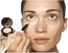 Makeup : How To Cover Up Dark Circles