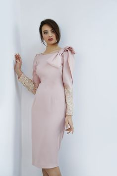 Nude pink dress of straight cut with back dropped and uncovered - Matilde Cano Gala Dresses, Event Dresses, Cute Dresses, Vintage Dresses, Beautiful Dresses, Dress Outfits, Short Dresses, Fashion Dresses, Formal Dresses