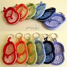 flip flop key chain, #crochet, free pattern, #haken, gratis patroon (Engels), sleutelhanger, teen slippers, #haakpatroon.amigurumi