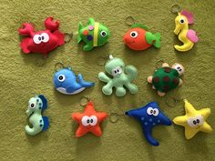 The felt keyring is pure beauty and cuteness and is the kind of souvenir that guests love to receive. Projects For Kids, Crafts For Kids, Felt Keyring, Felt Magnet, Felt Fish, Balloon Shapes, Sea Crafts, Mermaid Parties, Under The Sea Party