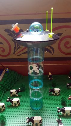 Lego spaceship sucking up a cow Lego Ninjago, Minifigura Lego, Lego Craft, Lego Batman, Lego Titanic, Lego Advent Calendar, Lego City, Casa Lego, Technique Lego