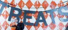 Confetti Sunshine: Halloween Carnival : DIY backdrop and decorations