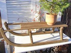 Vintage Deko - alter Holz Schlitten Rodelschlitten shabby Hocker - ein Designerstück von artdecoundso bei DaWanda