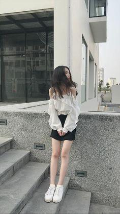 15 Outstanding Summer Outfits For Your Wardrobe 014 Korean Girl Ulzzang, Ulzzang Girl Fashion, Korean Girl Fashion, Korean Fashion Trends, Korean Street Fashion, Korea Fashion, Teen Fashion Outfits, Kpop Fashion, Cute Fashion