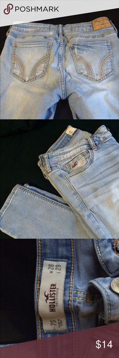 Light wash Hollister skinny jeans Jeans are in super good condition! Easy to pair with just about anything Hollister Jeans Skinny