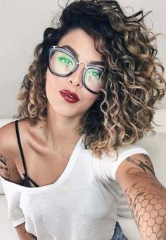 Hair Color Ideas for Brunette Short Glasses 42 Ideas for 2019 - Hair . - Hair Color Ideas for Brunette Short Glasses 42 Ideas for 2019 – Hair … - Curly Balayage Hair, Ombre Curly Hair, Curly Hair With Bangs, Thick Curly Hair, Colored Curly Hair, Haircuts For Curly Hair, Permed Hairstyles, Curly Hair Styles, Natural Hair Styles