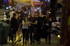 Isis rivendica: 'E' 11 settembre della Francia'  Sette attentati, almeno 127 i morti, tutti i video (in diretta  Sky News Live)<span class='video_title_tag'> -Video</span>