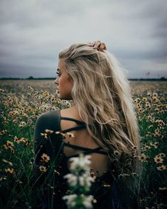 New Photography People Poses Girls Ideas Summer Photography, Senior Photography, Portrait Photography, Photography Flowers, Photography Ideas, Blonde Photography, Nature Photography, Fashion Photography, Modeling Photography