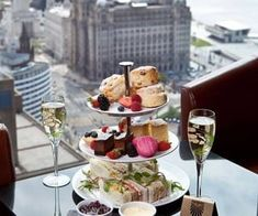 AFTERNOON TEA – PANORAMIC 34 Arguably the ultimate form of indulgence is afternoon tea. Liverpool isn't short of great places to get your fix but you go here for more than just the food. Take a look at that view. - Red Tea Is Best Best Afternoon Tea, Afternoon Tea Parties, Afternoon Tea Table Setting, Luxury Food, Luxury Hotels, Tea Time, Tea Cups, Food And Drink, Holiday