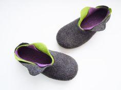 3 Zapatillas capa de fieltro por SimplicityOfFelt en Etsy, $69.00